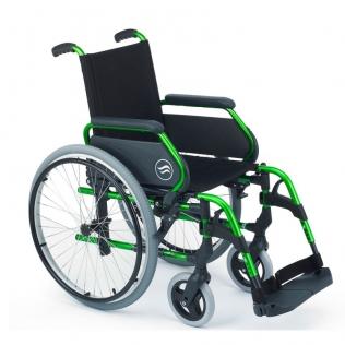 Silla de ruedas Breezy 300 de acero con reposapiés giratorios y desmontables | Color Verde
