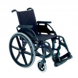 """Fauteuil roulant Breezy Premium (ancien 250)   Fauteuil pliant avec roues de 24 """"   Acier   Couleur bleu"""