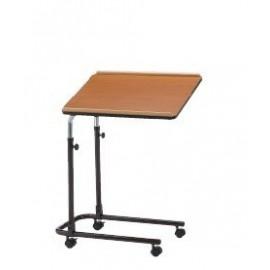 Tables de nuit, tables auxiliaires et fauteuils