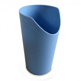 Bicchiere di plastica ergonomico | Anti sbrodolamento | Antiscivolamento | Bicchiere sagomato | Nosey | Blu | Mobiclinic
